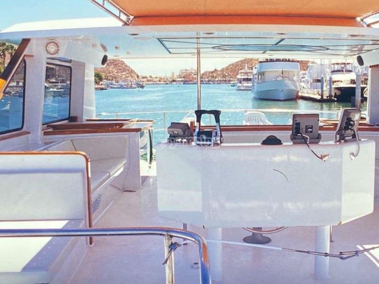 Ven a conocer nuestro exclusivo catamarán