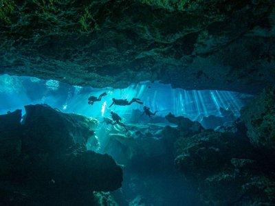 Curso buceo PADI Intro Cavern Playa del Carmen 3d