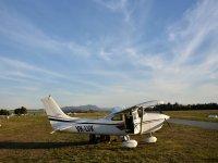 Pilotea una avioneta desde Atizapán con alimentos