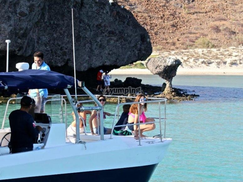 Diversión a bordo de nuestro catamarán