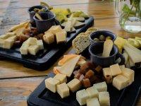 Ruta Premium con una deliciosa cava de quesos