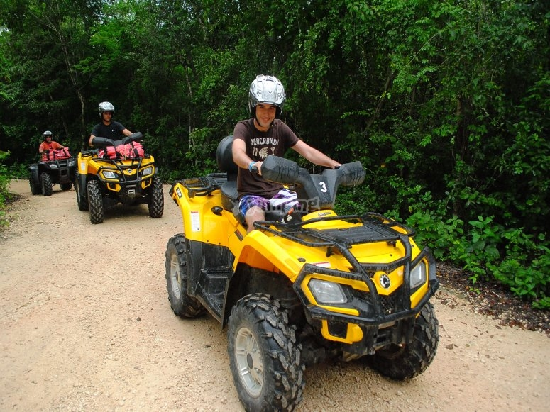 Come and have fun with our ATVs in the Mayan jungle
