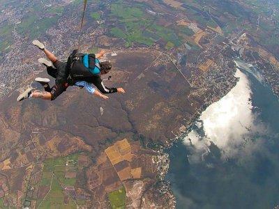 Tandem jump with photos and video in Puente de Ixtla