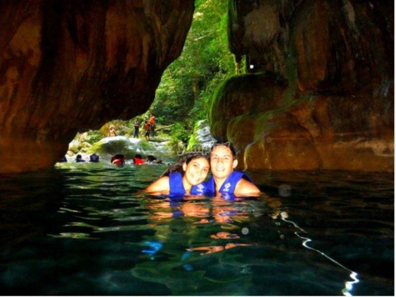 Nadando en las cascadas