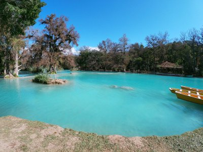 Visita guiada al Lago de La Media Luna con comida
