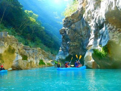 Rafting on the Tampaón River with food and transportation 7h