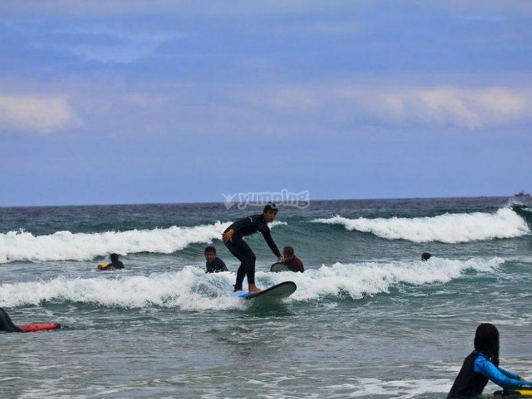 Aprende surf con nosotros