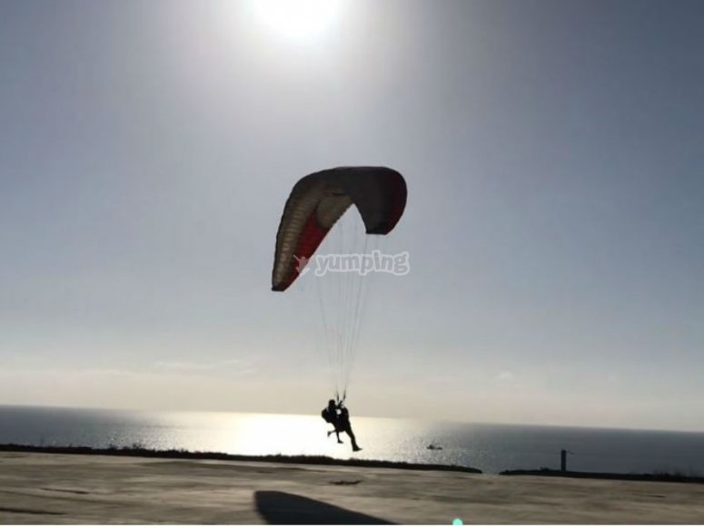 Landing moment in front of the sea