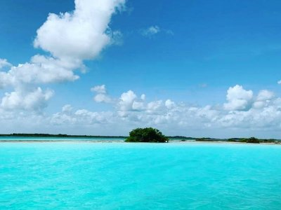 Private tour to Bacalar for 2 pax from Tulum 10 h