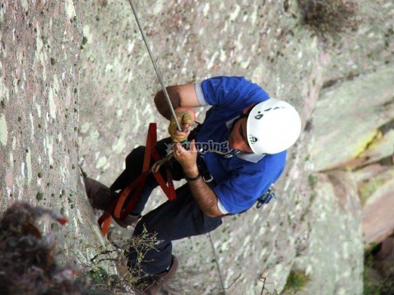 Descending on ropes