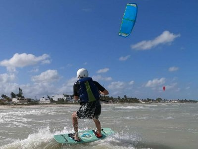 Private Kitesurf lesson in Progreso 1 hour
