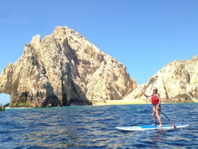 Paddle surf in Los Arcos with transport Los Cabos