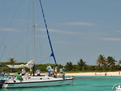 Boat trip and snorkel in Akumal for children 5 hr