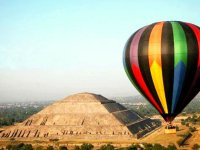 Balloon flight and tour in Teotihuacán Pyramids