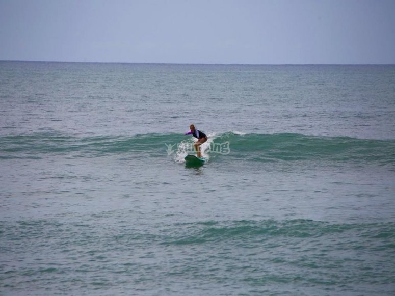 Subiendo olas