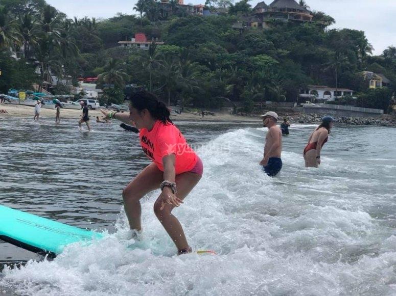 Lección de surfing