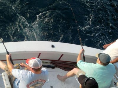 Sport fishing in Ixtapa with drinks 7 hours