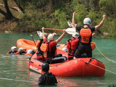Descenso de rafting con comida en Río Tampaón 8h
