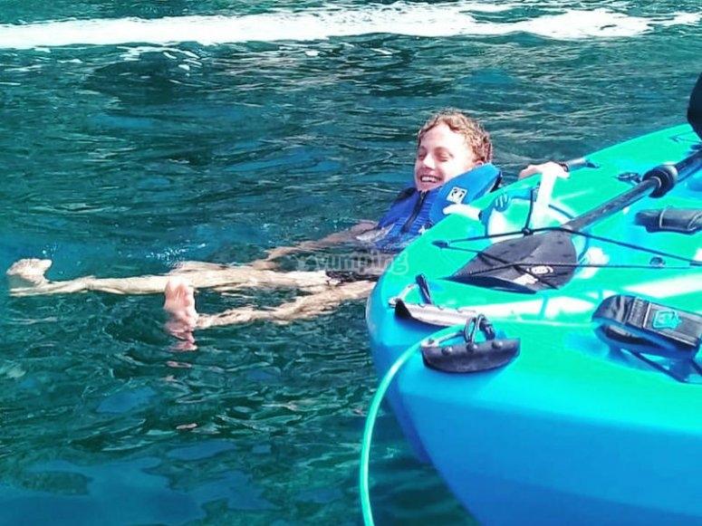 Deliciosa experiencia de kayak en el mar