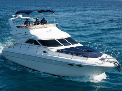 Yacht for 15 pax with food Playa del Carmen 4 hrs