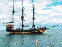 Paseo en barco pirata en Los Cabos y desayuno 3hrs