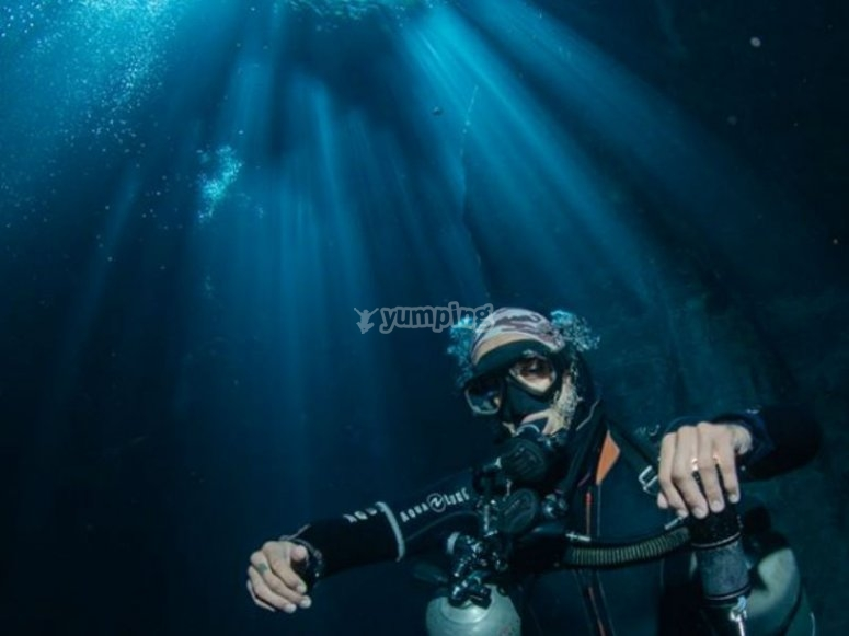 Unforgettable experience when diving at night