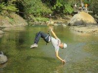 Tocando el agua