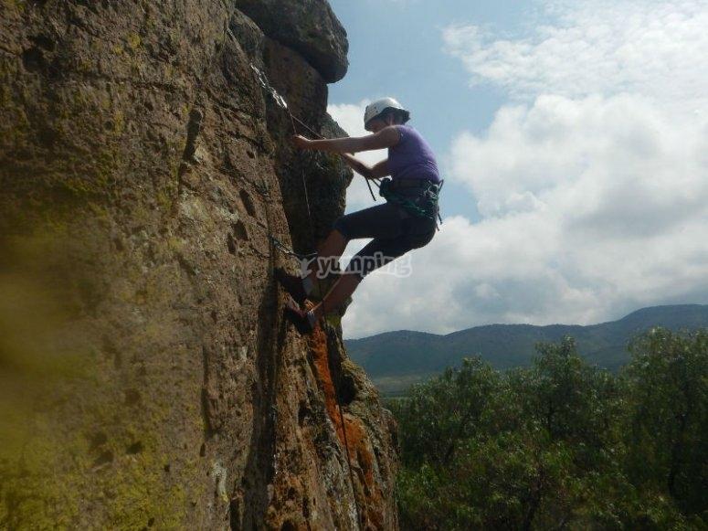 Adventure descending in rappel
