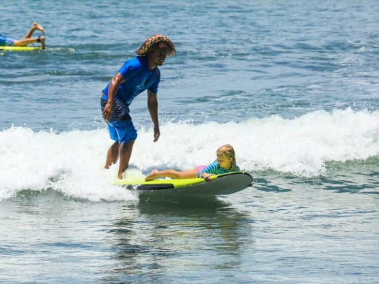 Vive esta aventura de surf