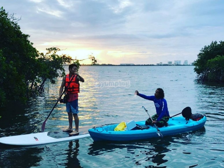 Navigate in your kayak through the canals of Cancun