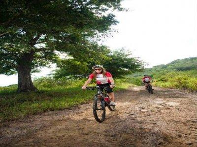 El Amanecer Outdoors Ciclismo de Montaña