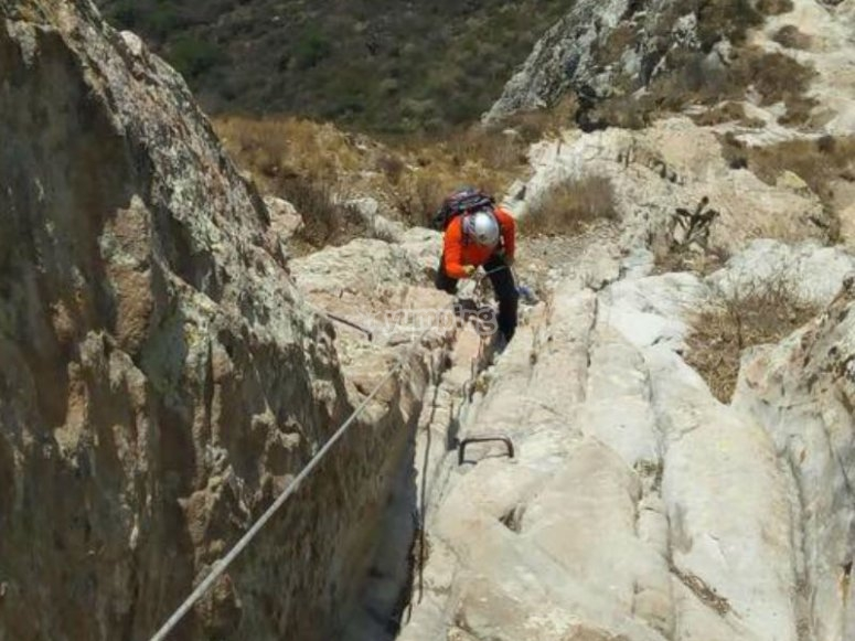 Live the experience of rock climbing in the open air