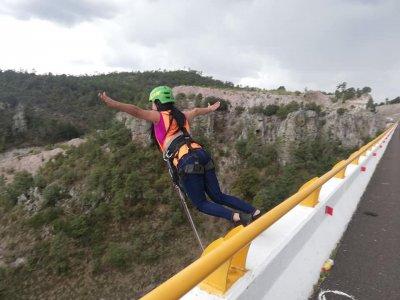 Aventura de salto de Bungee en Puente El Chicle 4h