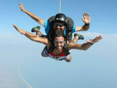 Parachute jump in Puerto Escondido 1 hour