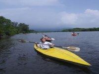 Kayak en el río