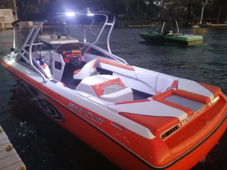 Mastercraft boat with awning for 6 people