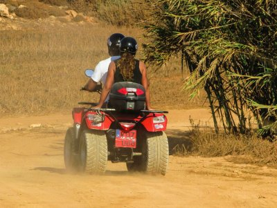 Two-seater quad bike route through Sierra de Malinalco 1h