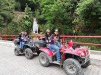 Tour en cuatrimoto por el río en Santiago 1 hora