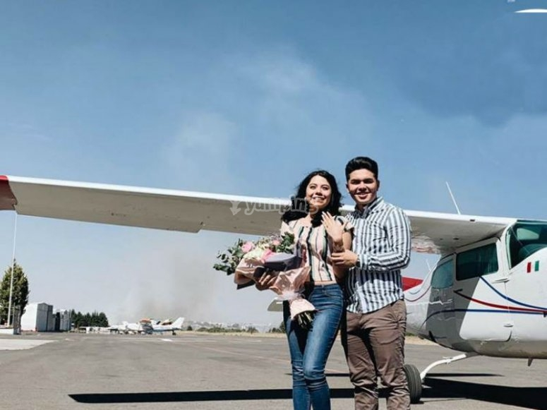 Couple in a plane