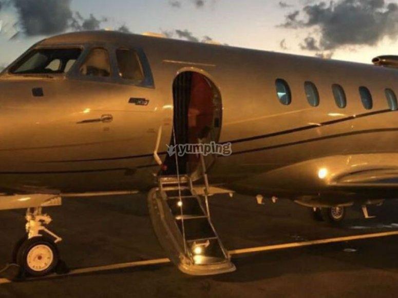 Flight in a hawker plane