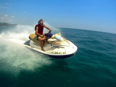 Moto acuática Playa Revolcadero en Acapulco 1 hora