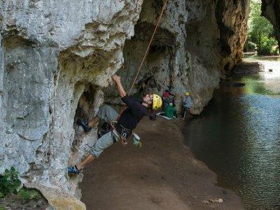 Climbing tour to El Arcotete half day