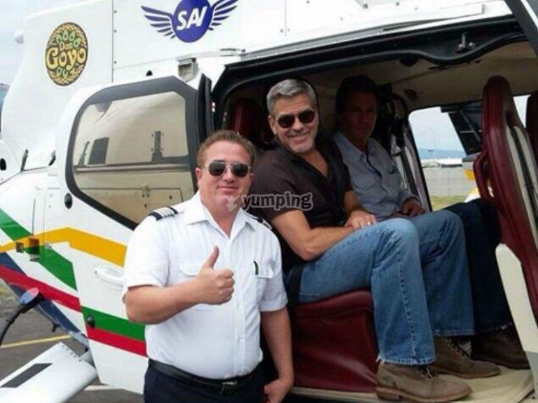 George Clooney viajando con nosotros