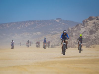 Mountain bike route in Los Cabos and buffet