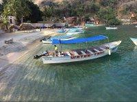 Disfruta de un paseo en barco en lancha privada