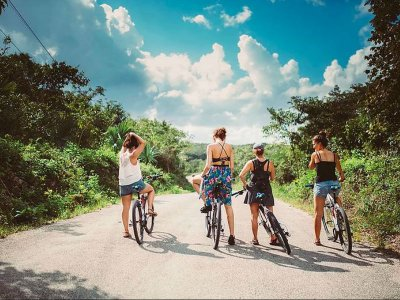 Bicycle tour through Mayan trails in Tulum 9 hr