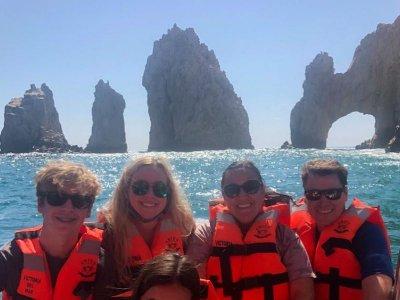 Paseo en barco con fondo cristal Cabo San Lucas 1h