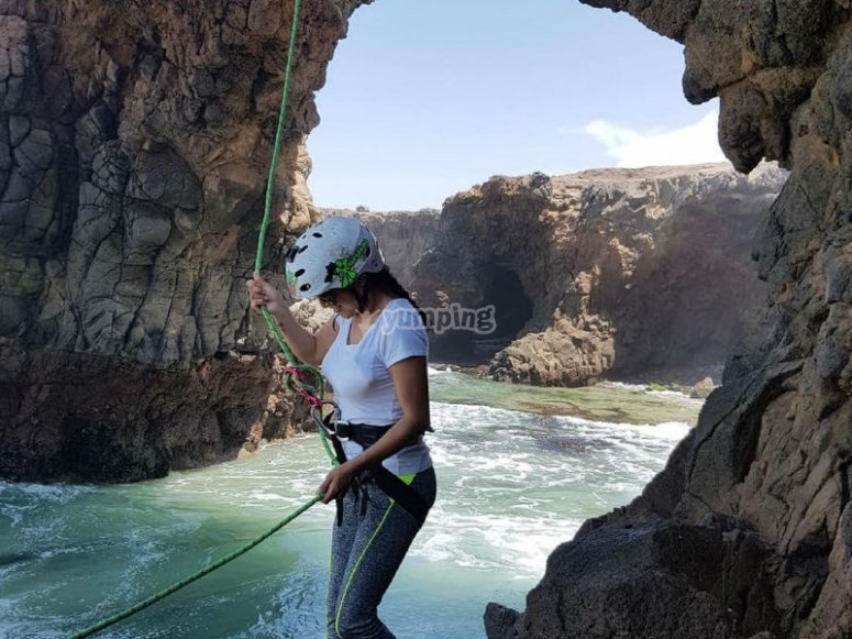 Rappel in the arch