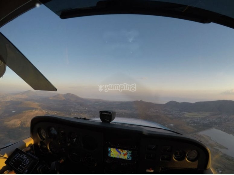 Live a great experience in a plane