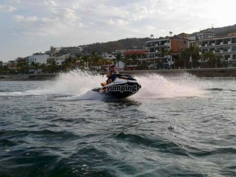 Adrenalina en tu jet ski